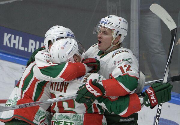 ИгрокиАк Барса Фёдор Малыхин, Яков Рылов, Михаил Глухов (слева направо)