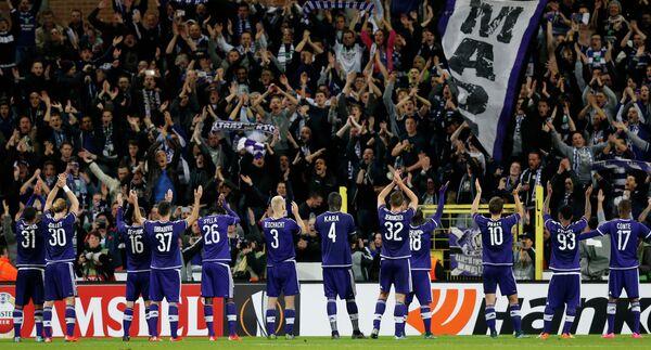 Футболисты Андерлехта радуются победе