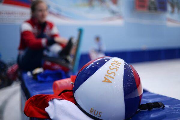 Шлем спортсмена сборной России по шорт-треку