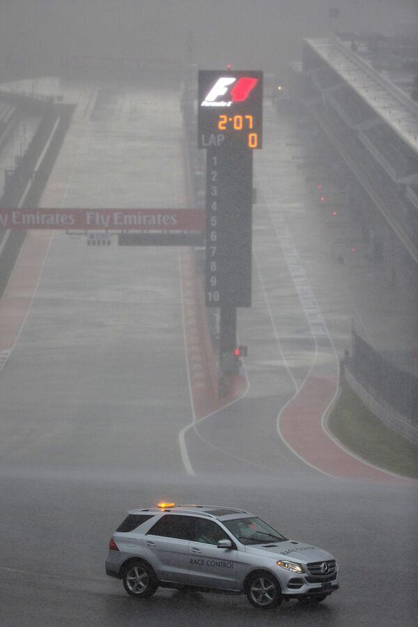 Дождь на этапе Формулы-1 Гран-при США