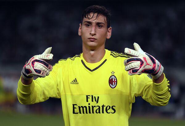 Джанлуиджи Доннарумма из футбольного клуба Милан