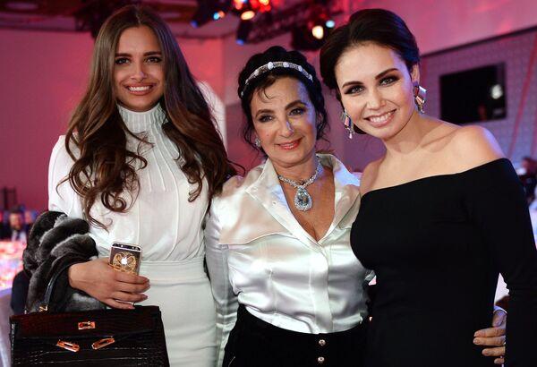 Каролина Севастьянова, Ирина Винер-Усманова и Ляйсан Утяшева (слева направо) на приёме по случаю запуска вещания телеканала Матч ТВ