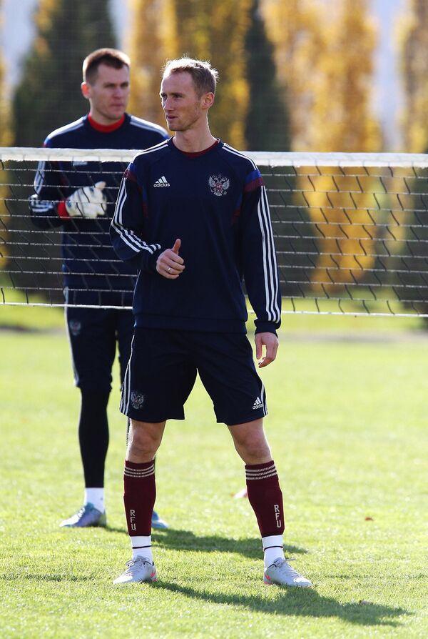Владислав Игнатьев (на первом плане) на тренировке сборной России