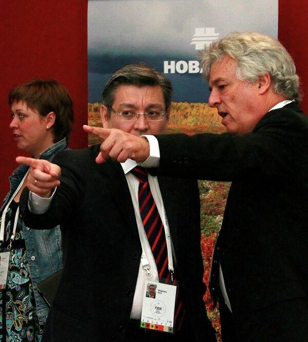 Берик Балгабаев и Израиль Гельфер (слева направо)
