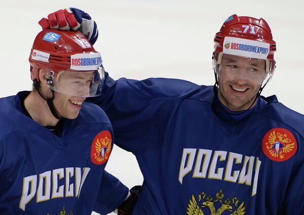 Форварды сборной России по хоккею Денис Кокарев (слева) и Илья Ковальчук