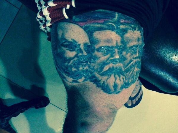 Новая татуировка Джеффа Монсона
