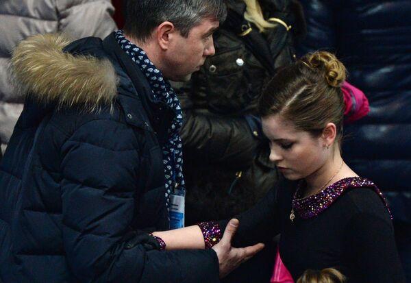 Юлия Липницкая и тренер Алексей Урманов