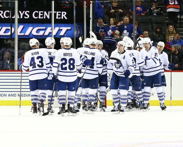 Хоккеисты клуба НХЛ Торонто Мэйпл Лифс