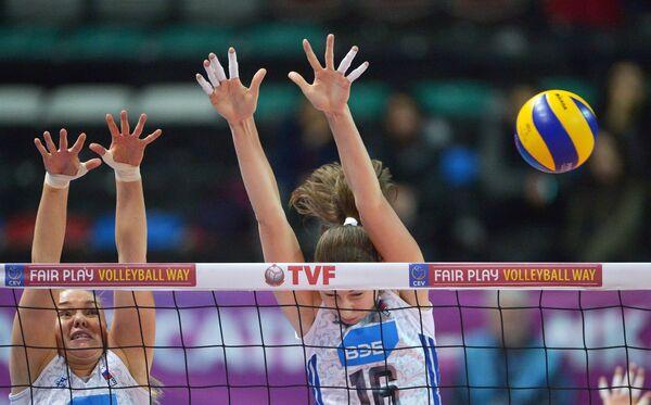 Игровой момент матча Россия - Бельгия