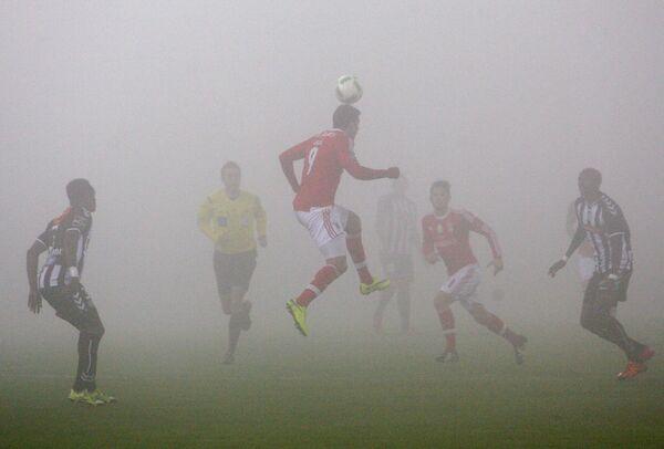 Игровой момент матча Насьонал - Бенфика