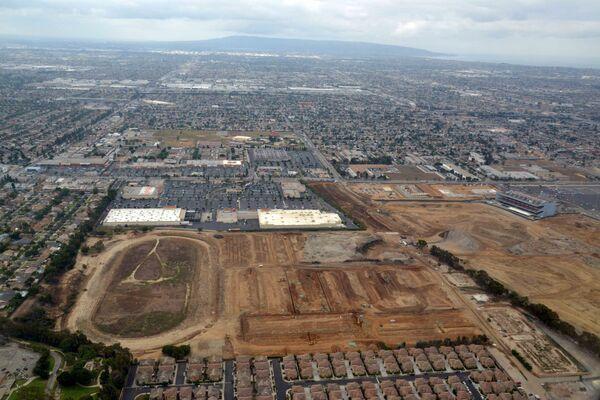 Строящийся стадион Сент-Луис Рэмс в пригороде Лос-Анджелеса Инглвуде