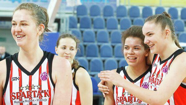 Баскетболистки Спарты энд К