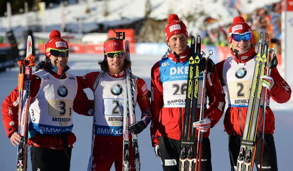 Биатлонисты сборной Норвегии: Уле-Эйнар Бьорндален, Ларс-Хельге Биркеланд, Эрленд Бьонтегорд и Йоханнес Бё (слева направо)