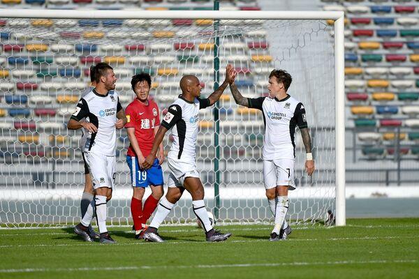 Игровой момент матча Краснодар - Хэнань Цзянье