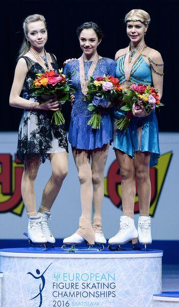 Елена Радионова (Россия), Евгения Медведева (Россия) и Анна Погорилая (Россия) (слева направо)