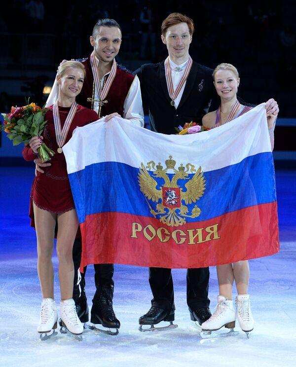 Татьяна Волосожар и Максим Траньков, Евгения Тарасова и Владимир Морозов (слева направо)