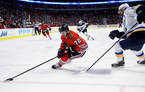 Нападающий клуба НХЛ Чикаго Блэкхоукс Артемий Панарин (№72)