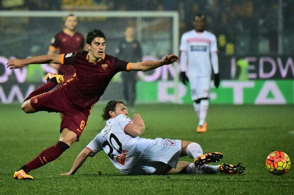 Игровой момент матча Карпи - Рома