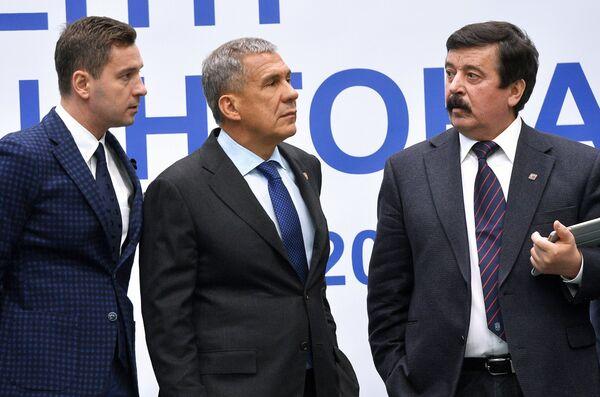Владимир Леонов, Рустам Минниханов и Сергей Шахрай (слева направо)