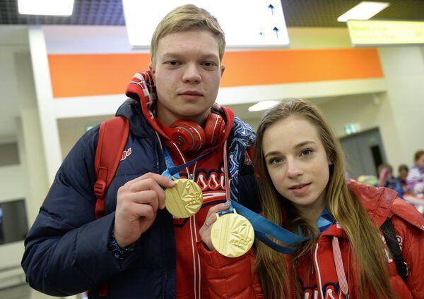 Фигуристы Екатерина Борисова и Дмитрий Сопот