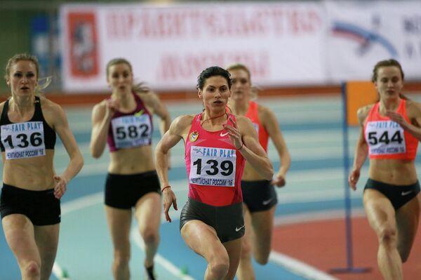 Антонина Кривошапка (в центре)