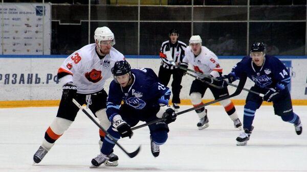 Игровой момент матча ХК Молот-Прикамье - ХК Рязань