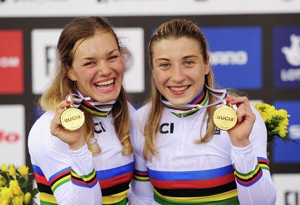 Анастасия Войнова и Дарья Шмелева (слева направо)