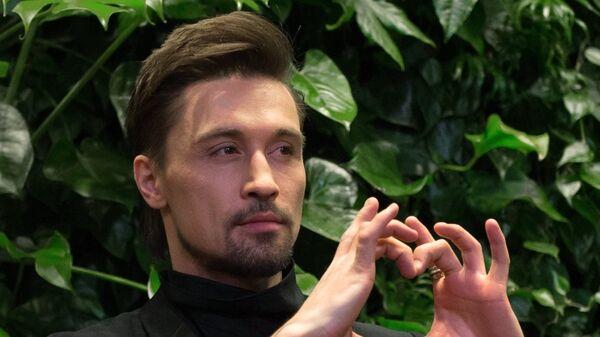 Певец Дима Билан на премьере фильма Герой в Москве