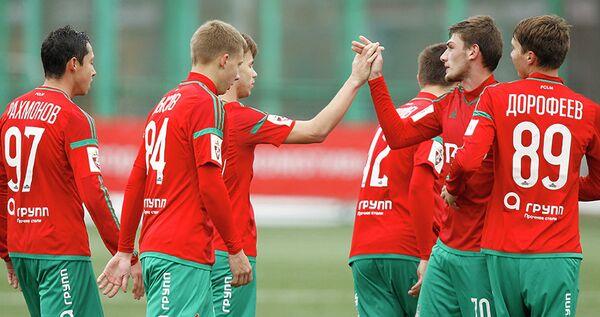 Футболисты молодежки Локомотива