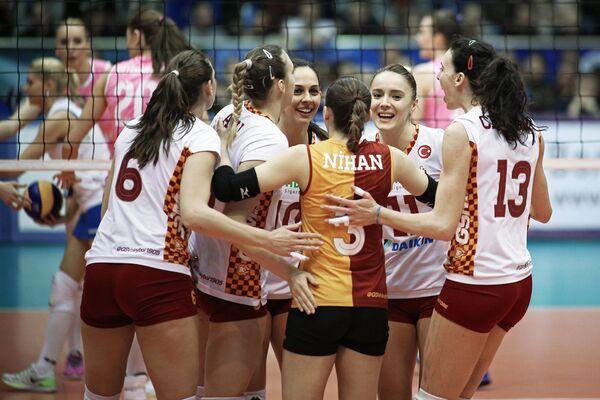 Волейболистки Галатасарая