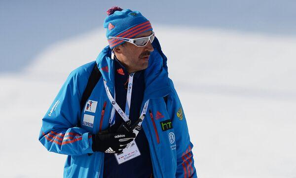 Тренер женской сборной России по биатлону Николай Загурский