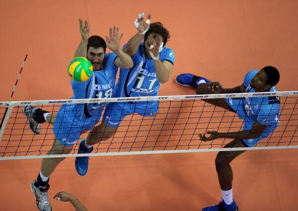 Волейболисты Зенита Максим Михайлов, Андрей Ащев, и Вильфредо Леон (слева направо)