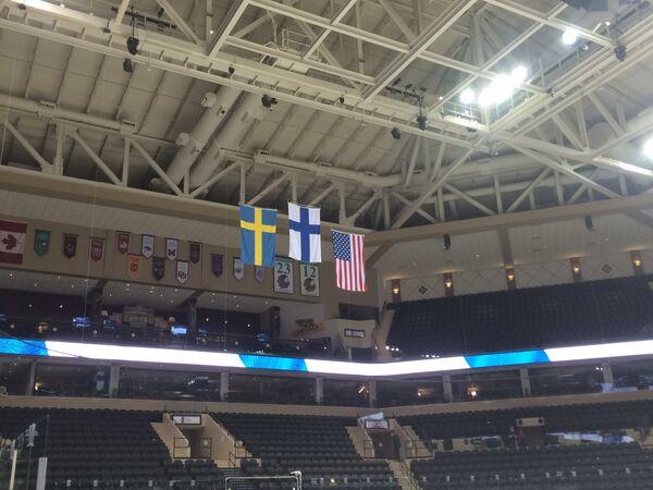 Флаги призеров юниорского чемпионата мира по хоккею (до 18 лет)