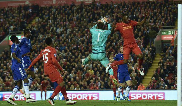 Игровой момент матча Ливерпуль - Челси