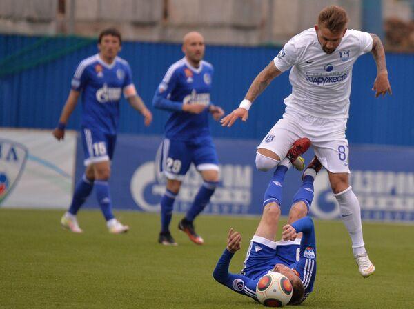 Игровой момент матча Газовик - Балтика