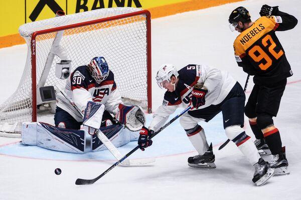 Игровой момент матча Германия - США