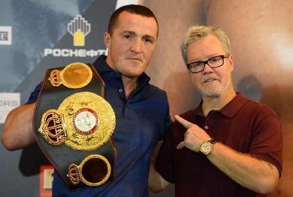 Денис Лебедев (слева) и его тренер Фредди Роуч