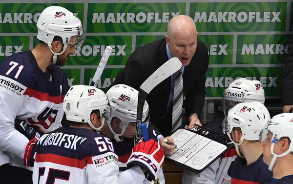 Главный тренер сборной США Джон Хайнс