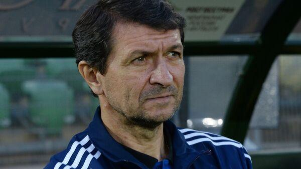 Главный тренер Волгарь Юрий Газзаев