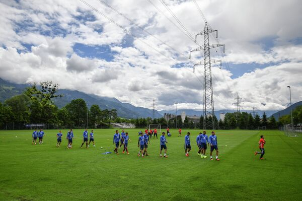Игроки сборной России по футболу на тренировке