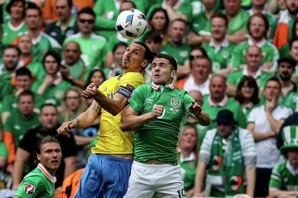 Игровой момент матча Ирландия - Швеция