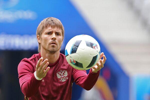 Полузащитник сборной России Дмитрий Торбинский