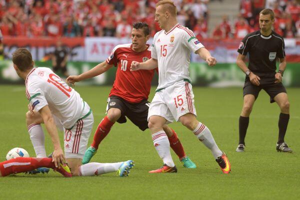 Игровой момент матча Евро-2016 Австрия - Венгрия