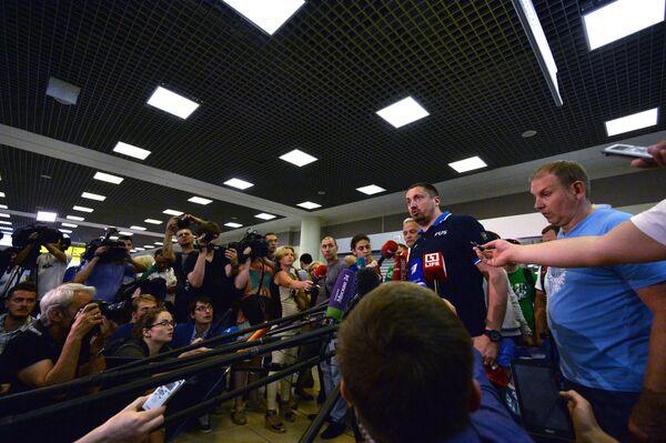 Александр Шпрыгин (второй справа)